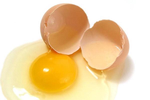 trứng vỡ
