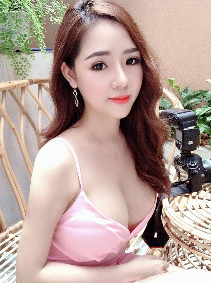gái-xinh-ngực-đẹp-18