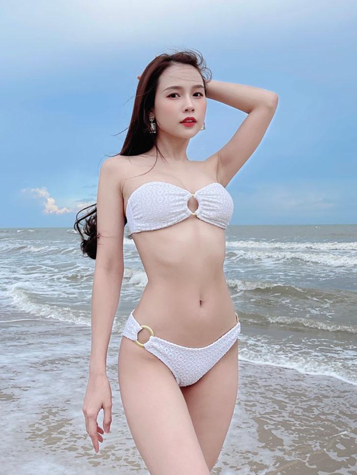gái-xinh-ngực-đẹp-25