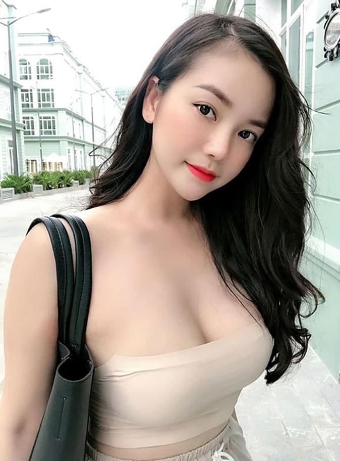 gái-xinh-ngực-đẹp-29