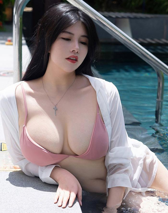 gái-xinh-ngực-đẹp-8